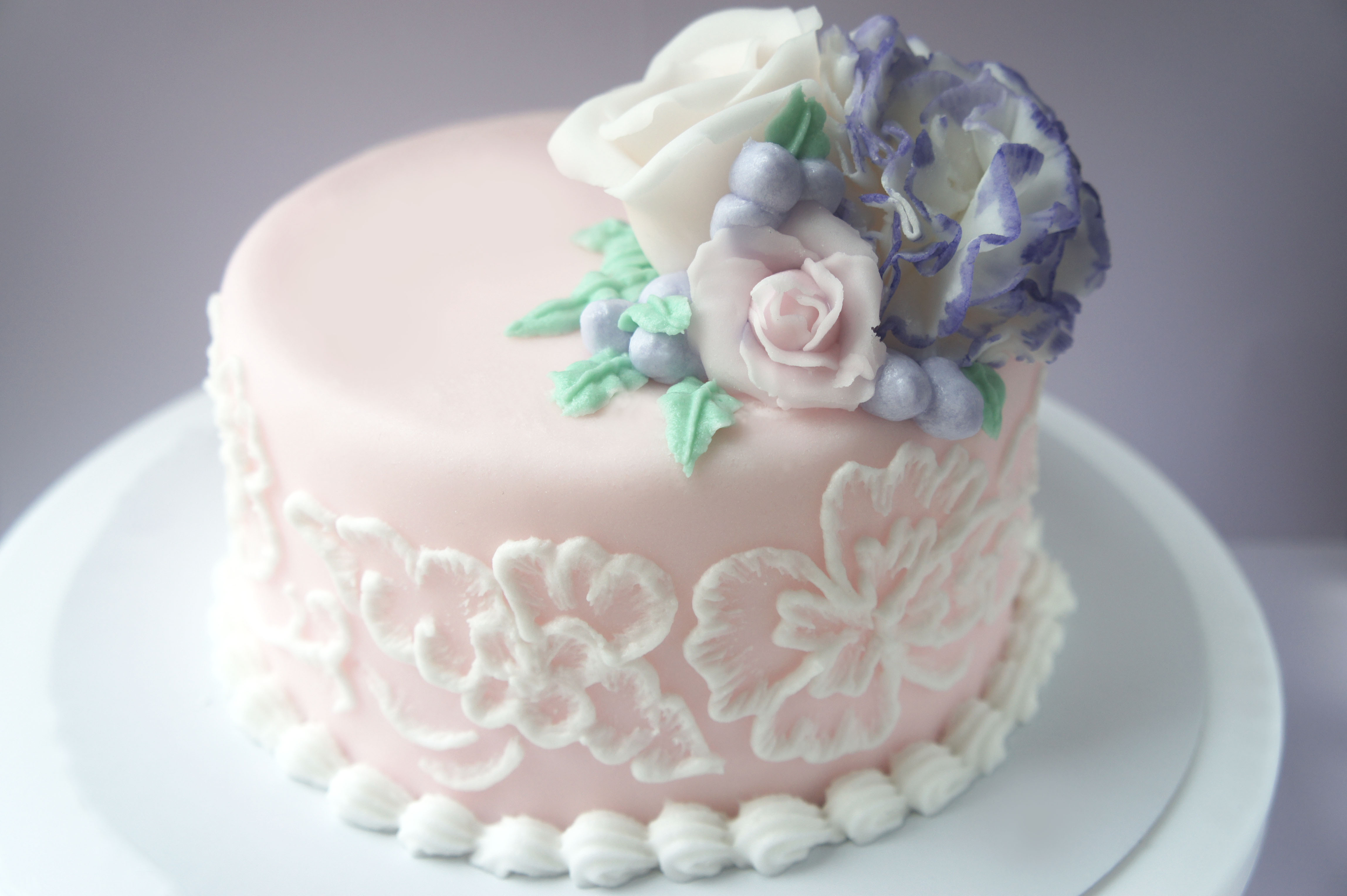 recipe: royal icing recipe for piping on fondant [31]
