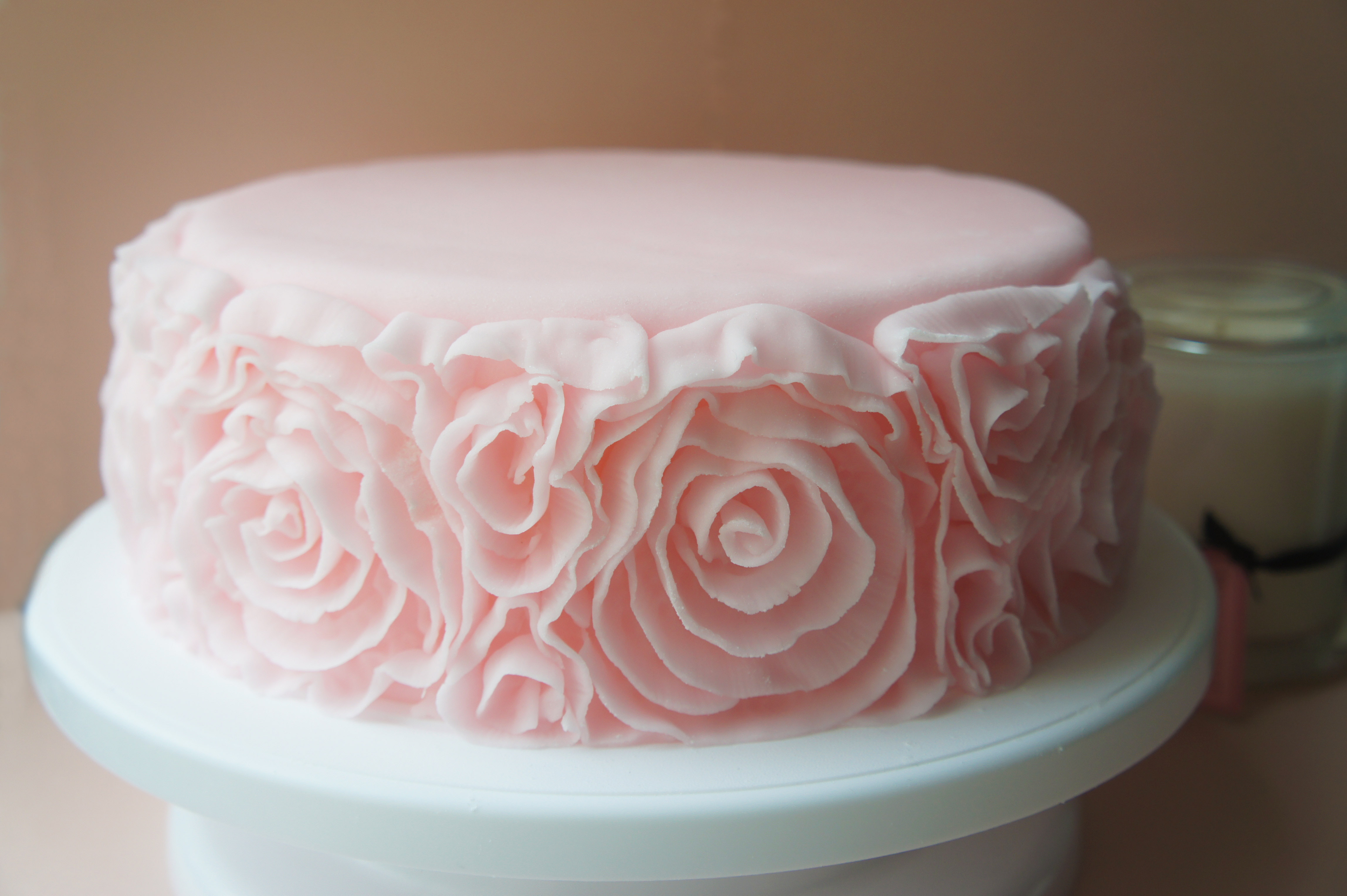 Cake Making With Fondant : How to Make Fondant Side Ruffle Roses A Spoonful of Cake